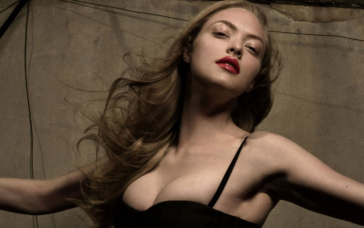 Amanda Seyfried Hot Video amanda seyfried cast in lovelace – is hollywood ready for